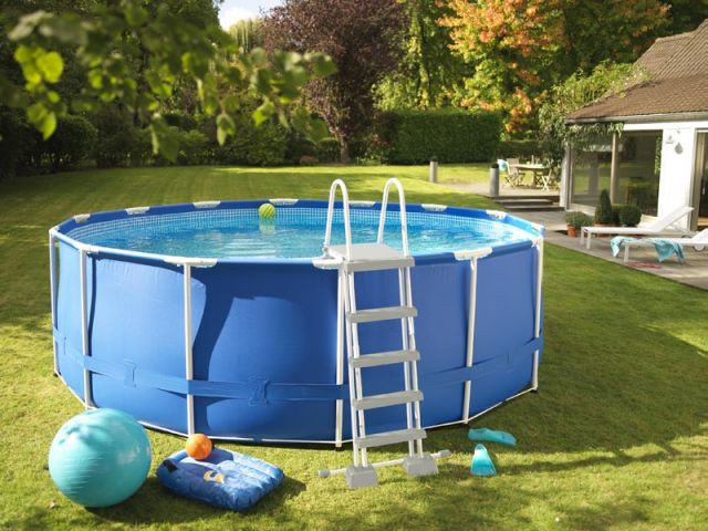 10 piscines hors sol rapides installer for Piscine demontable