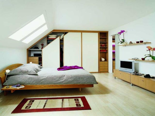 am nager un dressing dans une pi ce mansard e. Black Bedroom Furniture Sets. Home Design Ideas