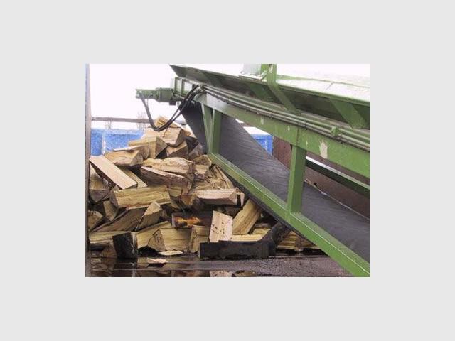 Bois de chauffage tout savoir sur l'approvisionnement et le stockage # Quand Couper Le Bois De Chauffage