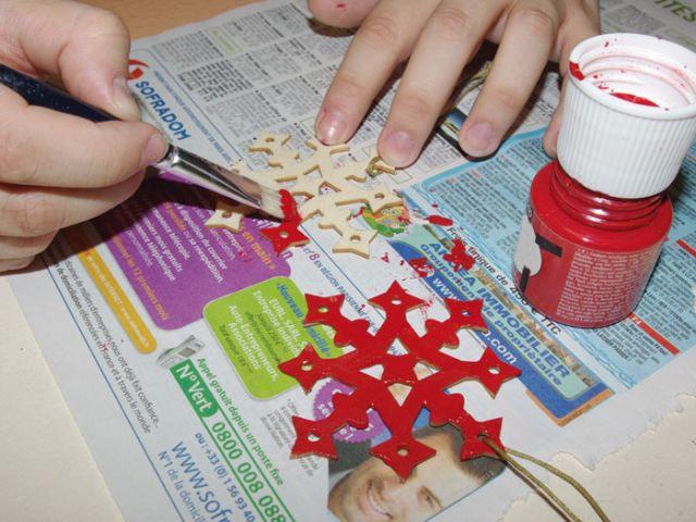Couronne de Noël - Peinture des suspensions - Pas à pas couronne de Noël
