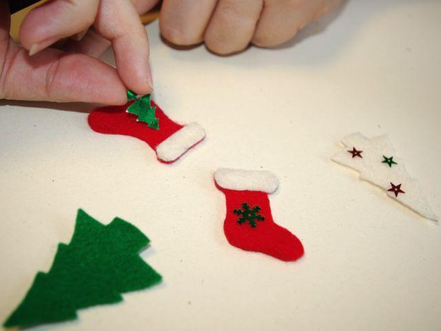 Couronne de Noël - Décoration des éléments en feutrine - Pas à pas couronne de Noël