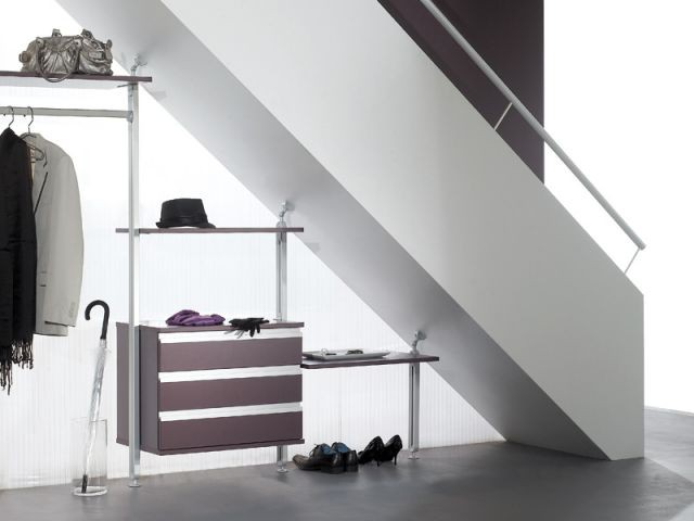 10 solutions pour am nager l 39 espace sous l 39 escalier. Black Bedroom Furniture Sets. Home Design Ideas