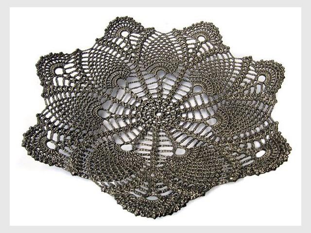 Catherine Carr, l'artisan qui tricotait le verre - Verre tricoté et crocheté