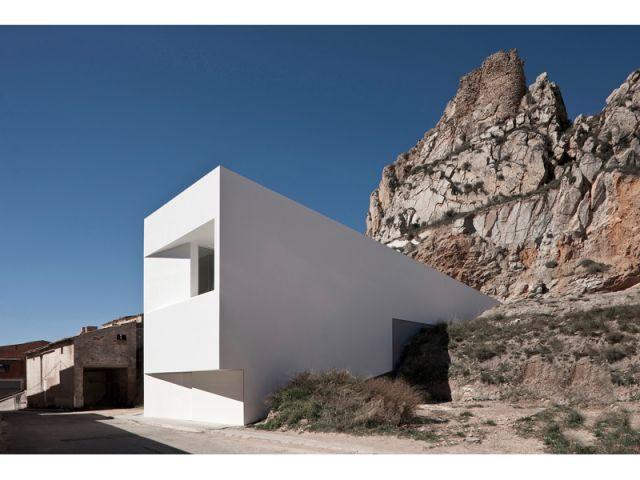 Espagne - Maison sur la colline du château - 9 architectes / 9 propositions