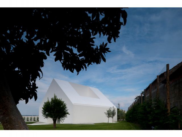 Portugal - Villa à Leiria - 9 architectes / 9 propositions