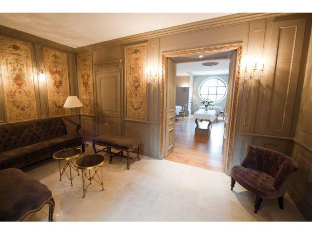 Salon d'accueil des clients - Hôtel Le Sauvage à Besançon