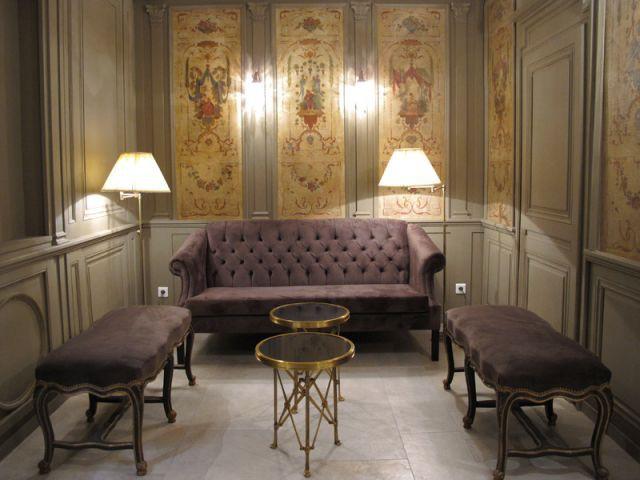 Du mobilier chiné et des chambres sobres - Hôtel Le Sauvage à Besançon