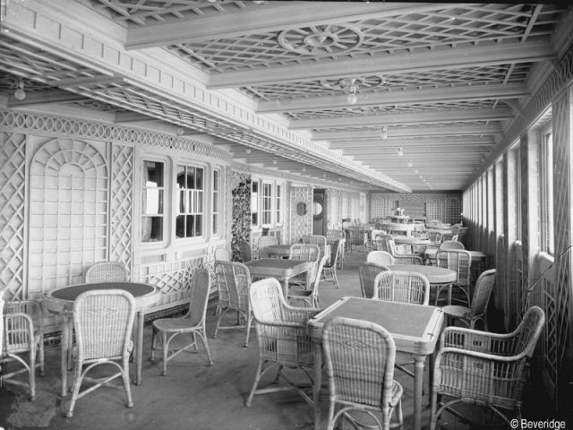 Le café parisien - Titanic