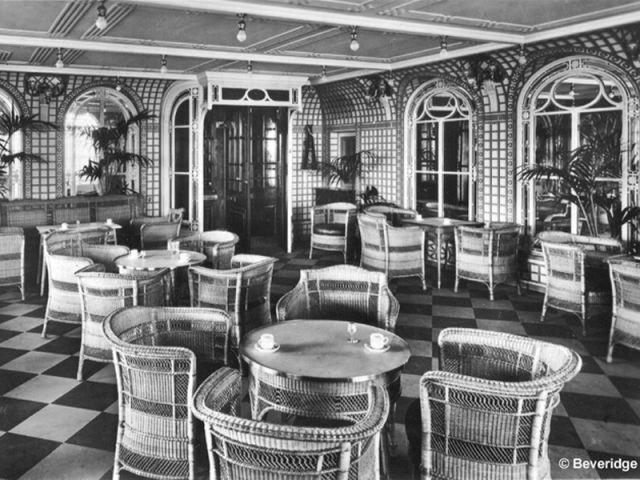 Le café-véranda - Titanic