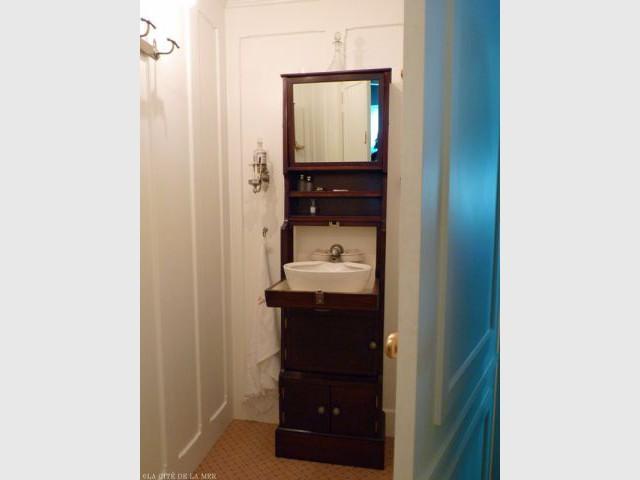 Cabinet de toilette reconstitué  - Titanic