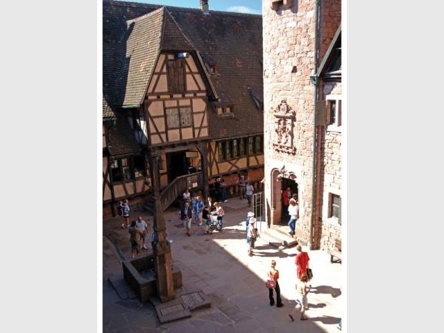 Basse-cour du château - Château du Haut Koenigsbourg