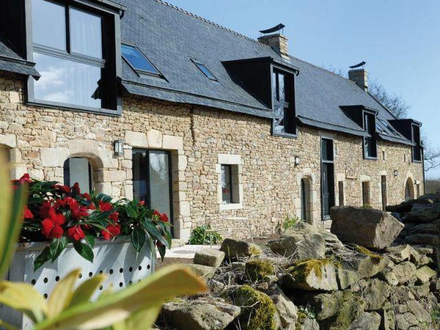 Une ancienne long re transform e en une maison d 39 h te chaleureuse - Comment amenager son exterieur maison ...