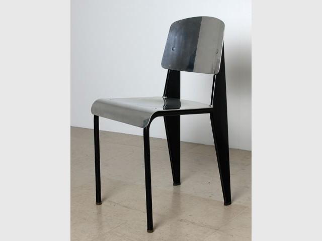 Chaise n°305 - Expos Jean Prouvé