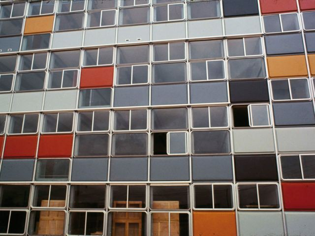 Façade de lycée - Expos Jean Prouvé