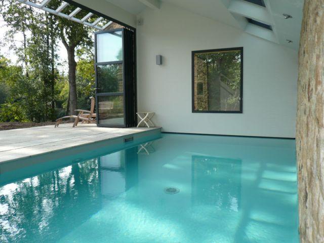 10 piscines d 39 int rieur pour se baigner toute l 39 ann e. Black Bedroom Furniture Sets. Home Design Ideas