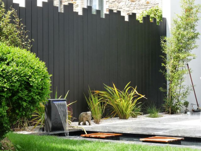 Renouveau min ral pour une terrasse rennaise for Agrementer un jardin