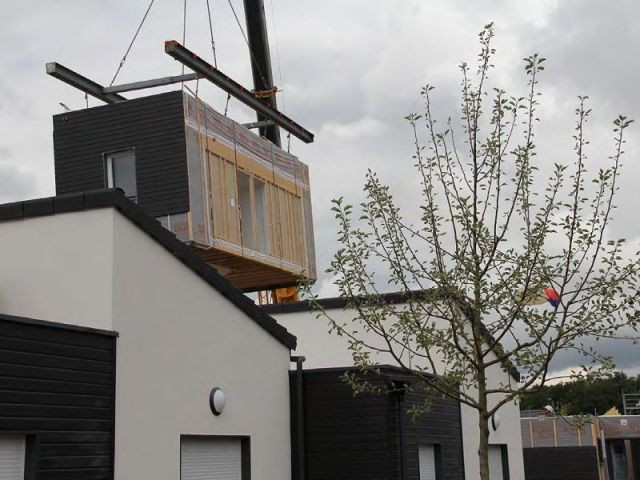 A vert saint denis un co quartier de maisons pr fabriqu es voit le jour - Module prefabrique bois ...