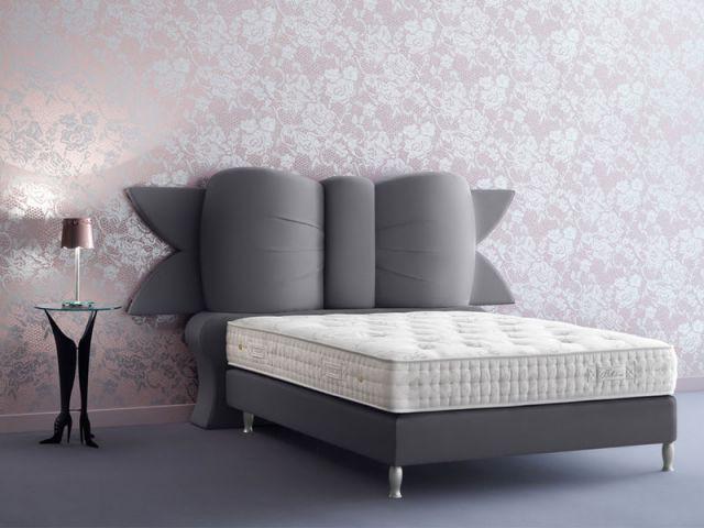 Des id es pour une t te de lit originale - Tete de lit en forme de coeur ...