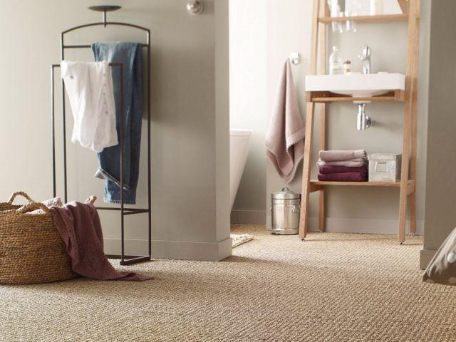 Quel mat riau pour le sol de ma salle de bains for Revetement sol salle de bain