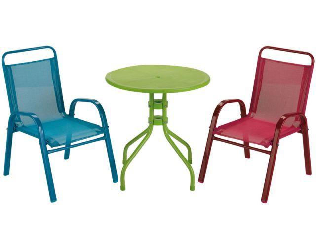 Du mobilier outdoor rien que pour les enfants for Mobilier jardin conforama
