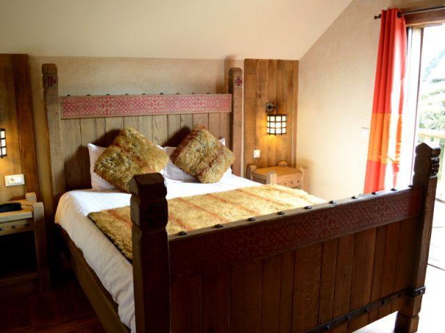 Les h tels du puy du fou de la rome antique la renaissance - Hotel les iles de clovis puy du fou ...