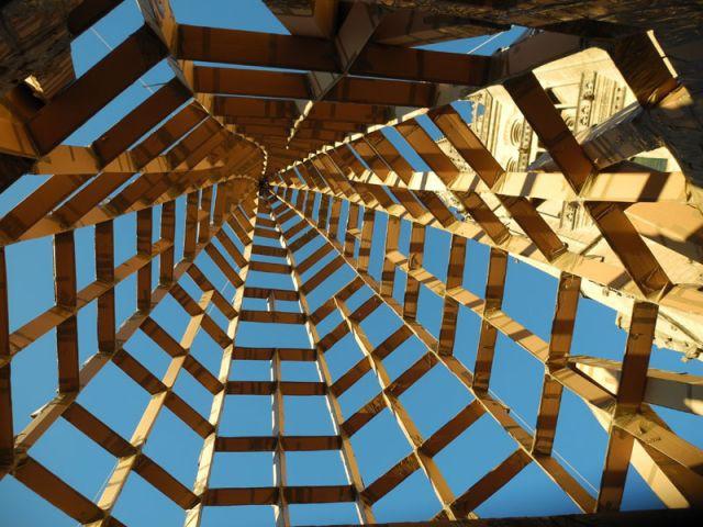 Ville ph m re le carton s 39 l ve marseille for Architecture ephemere definition