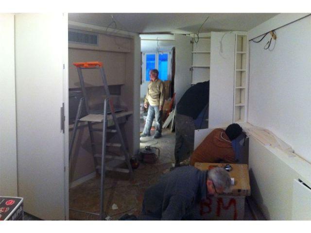 Jeu de cache cache dans un appartement parisien - Montage de meuble paris ...