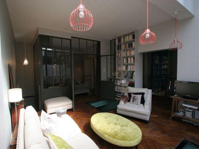La petite chambre intégrée au salon
