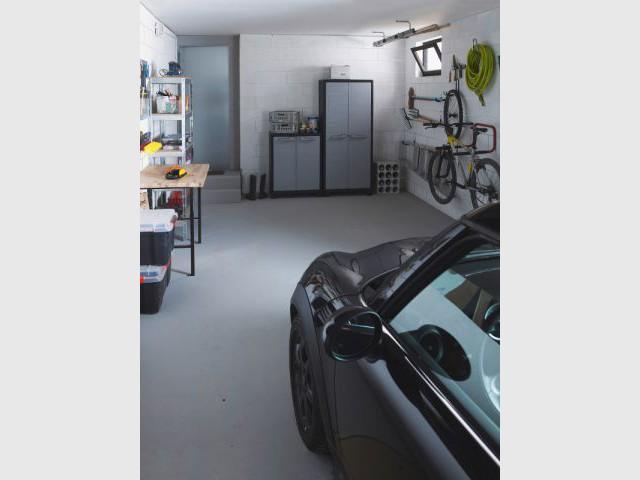 Solutions pratiques pour gagner de la place dans son garage - Gonfleur pneu voiture castorama ...