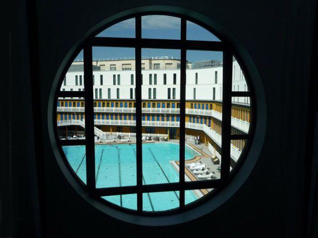 La nouvelle piscine molitor d borde de luxe for Piscine qui deborde