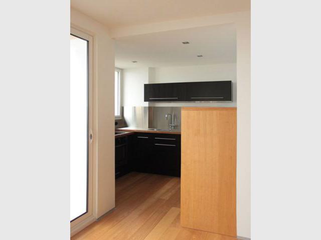 am nager un petit espace des meubles cloisons reconfigurent un appartement. Black Bedroom Furniture Sets. Home Design Ideas