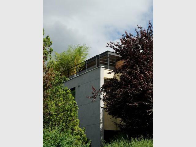 transformer son toit en terrasse cr ation d 39 une terrasse spacieuse et quip e. Black Bedroom Furniture Sets. Home Design Ideas