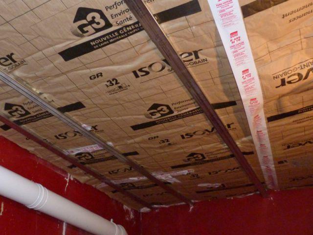 Un grenier inexploité rénové en chambre pour enfants