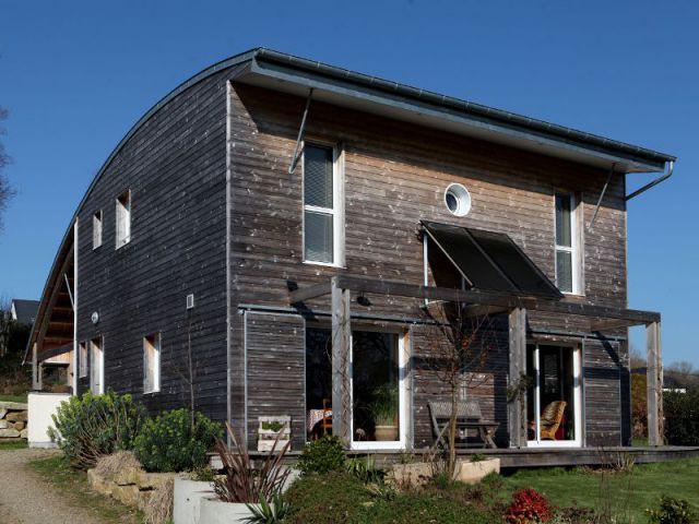 maison d 39 architecte bois et b ton pour une maison bioclimatique. Black Bedroom Furniture Sets. Home Design Ideas