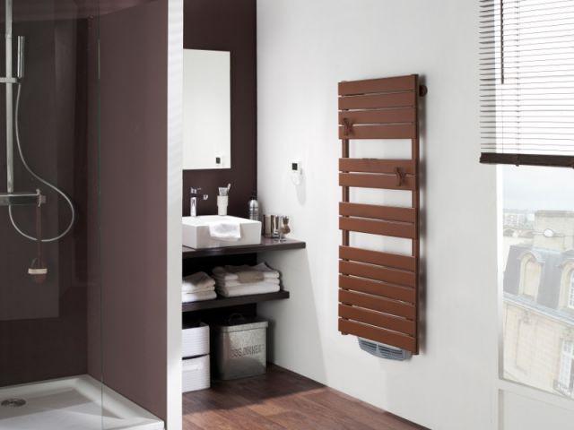 1 s che serviettes pour chaque salle de bains - Seche serviette sous fenetre ...
