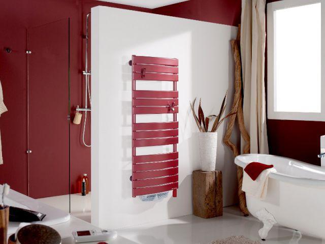 1 s che serviettes pour chaque salle de bains for Seche serviette sous fenetre