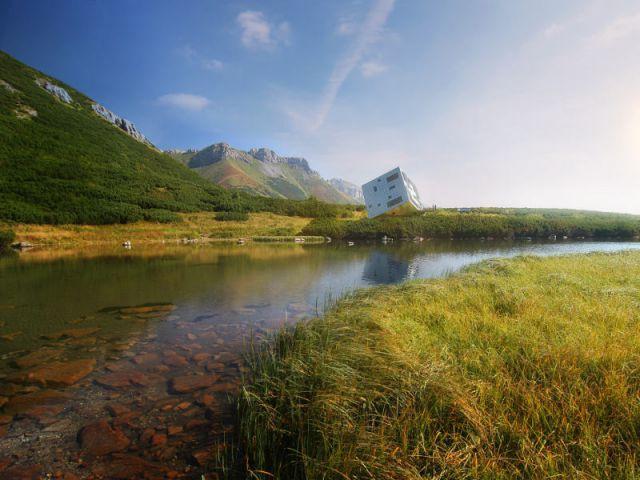 Un refuge futuriste au coeur de la montagne - Un refuge de montagne futuriste