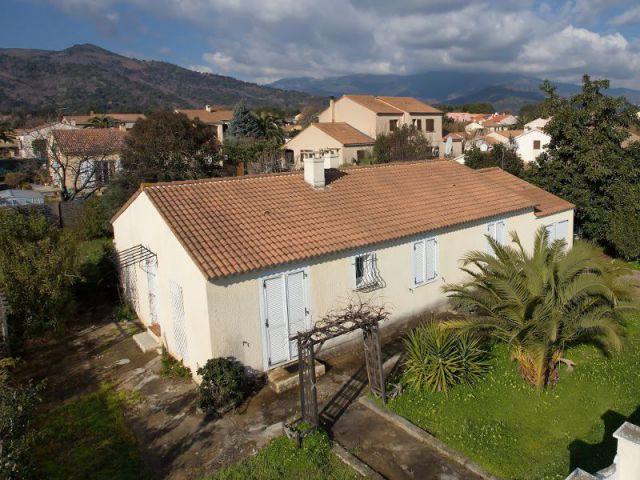Cout surelevation maison phenix id e for Cout piscine maconnee
