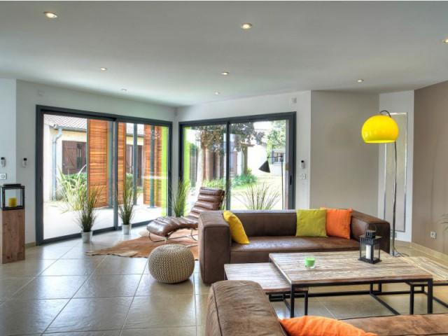 maison igc attractive interieur de maison de reve maison de ville maison de rve igc with maison. Black Bedroom Furniture Sets. Home Design Ideas