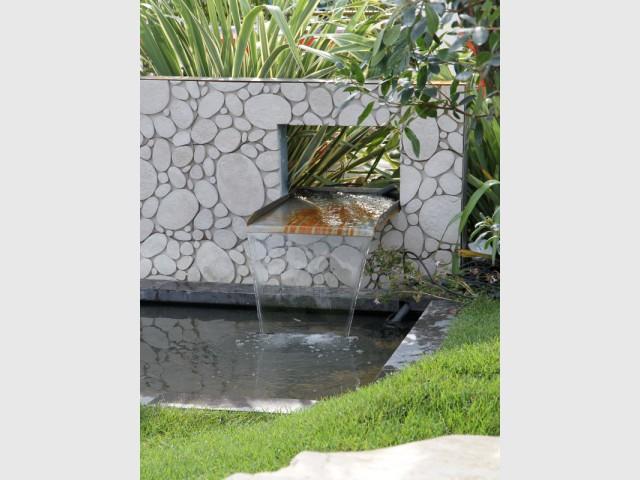 Inspirations un bassin pour mon jardin for Statue pour bassin exterieur