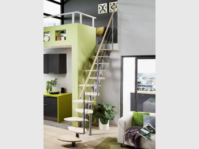 petits espaces un escalier gain de place pour mon int rieur. Black Bedroom Furniture Sets. Home Design Ideas