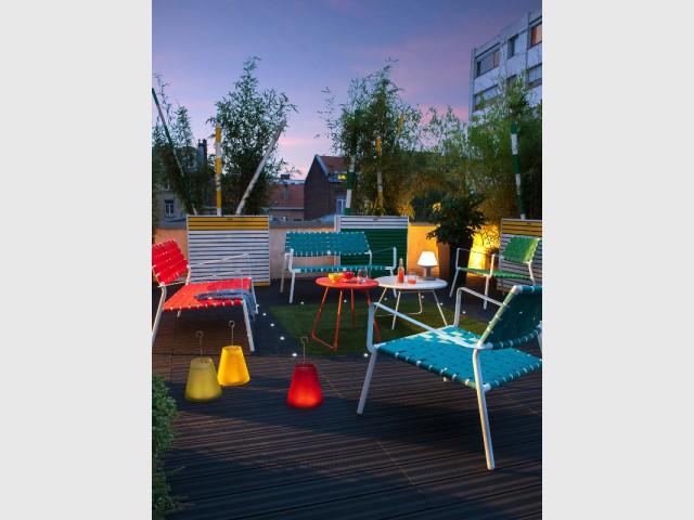 Des leds dans le sol pour une terrasse accessible  - Eclairer son jardin l'été