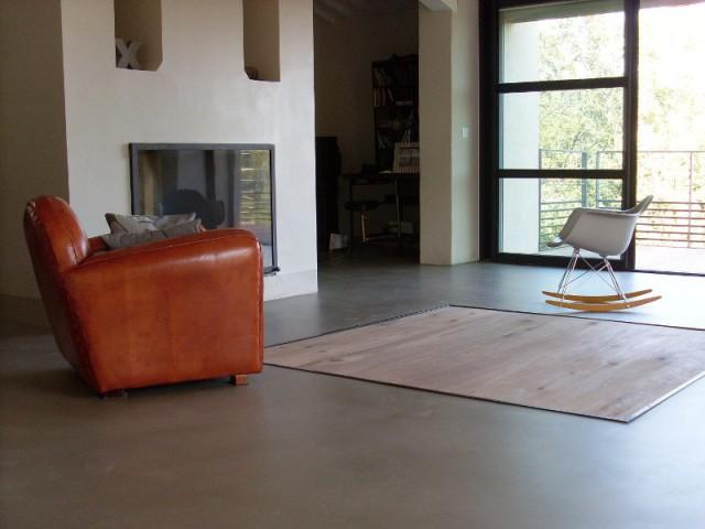 du b ton cir dans toute la maison du sol au plafond. Black Bedroom Furniture Sets. Home Design Ideas