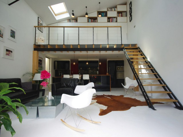 1 hangar transform en 1 loft a rien au style industriel - Hangar transforme en loft ...