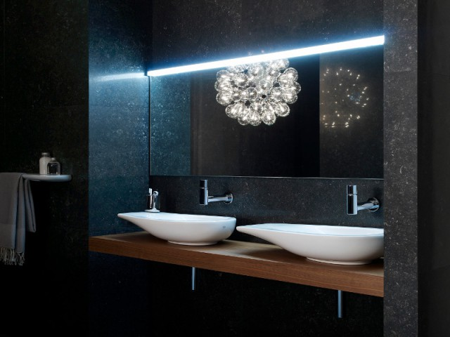 am nager sa salle de bains des vasques poser aux formes originales et inattendues. Black Bedroom Furniture Sets. Home Design Ideas