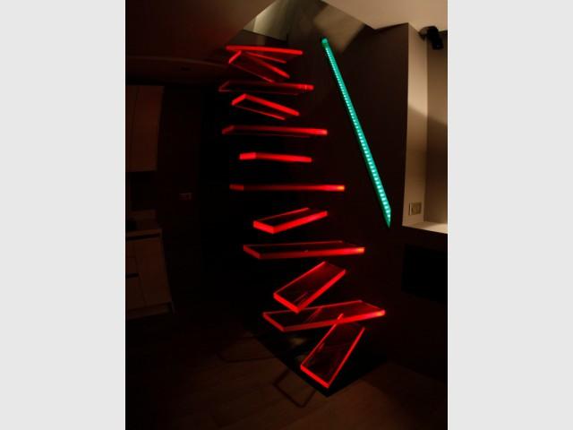 Cr er un escalier un mod le futuriste en l vitation - Main courante escalier originale ...