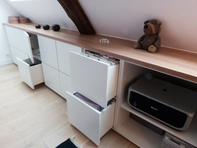 Créer un rangement pour optimiser l'espace sous pente - Avant/après : un duplex valorisé et optimisé