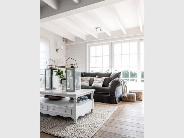 am nager un salon 10 pi ces tourn es vers l 39 ext rieur. Black Bedroom Furniture Sets. Home Design Ideas
