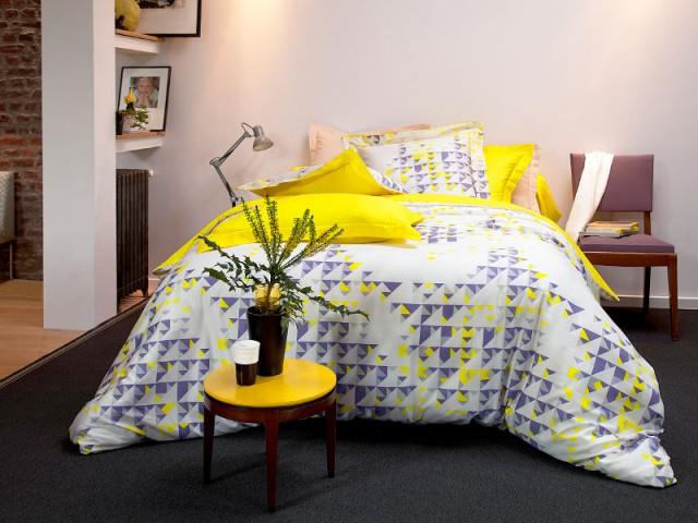 Du linge de lit jaune pour une chambre revigorée - Bien intégrer la tendance jaune soleil dans mon intérieur