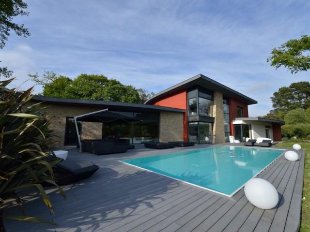 Gut gemocht Maison d'architecte : Une villa moderne semi-enterrée sur les  QV75